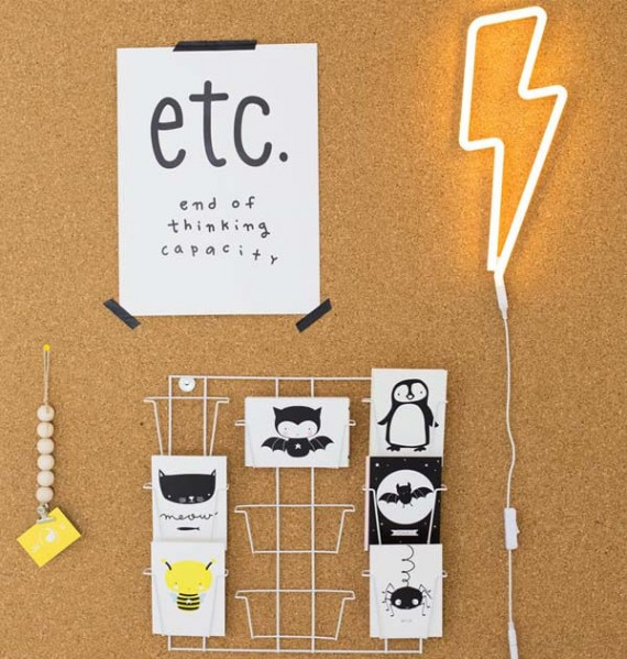 neon06-3-LR neon lightning bolt yellow