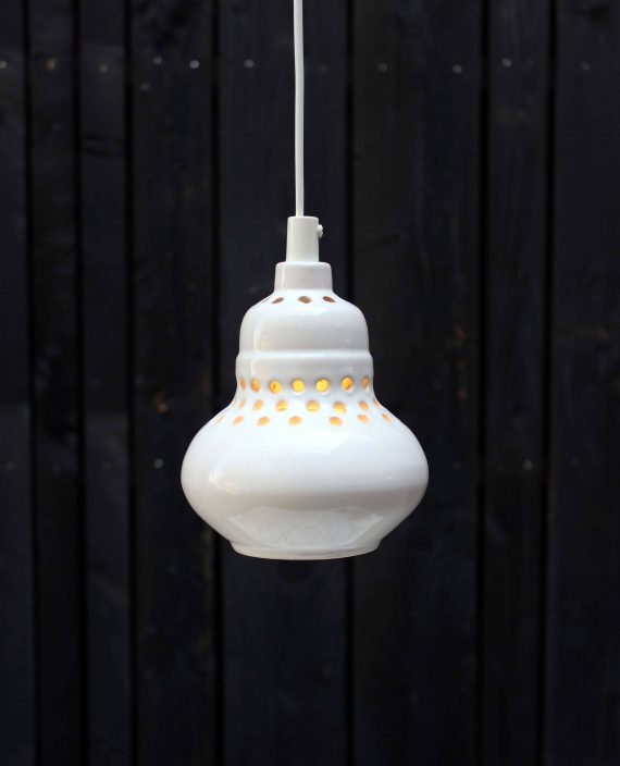 vintage keramiek hanglampje zweeds met gaatjes