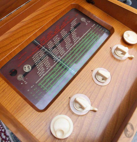 vintage audio meubel stern&stern detail radio