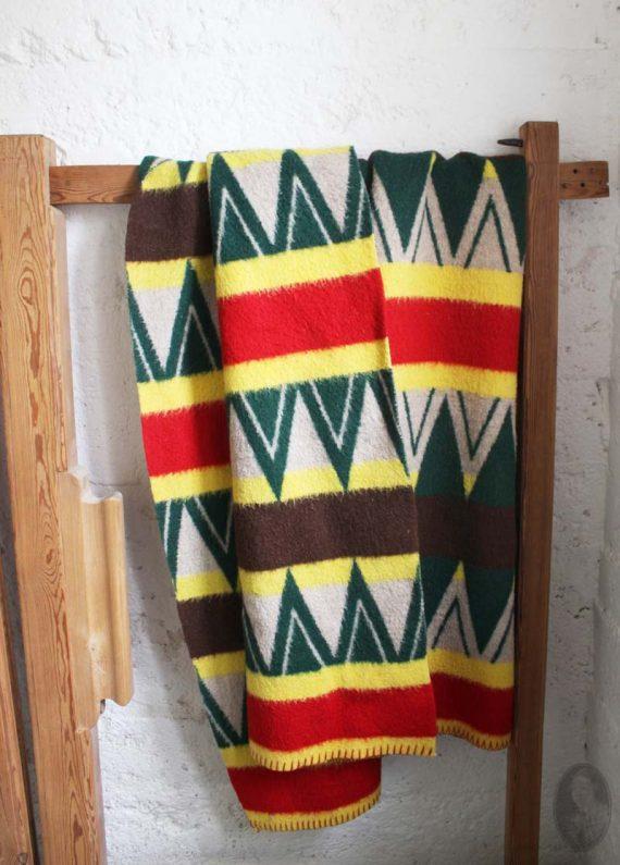 vintage wollen deken grafisch groen rood