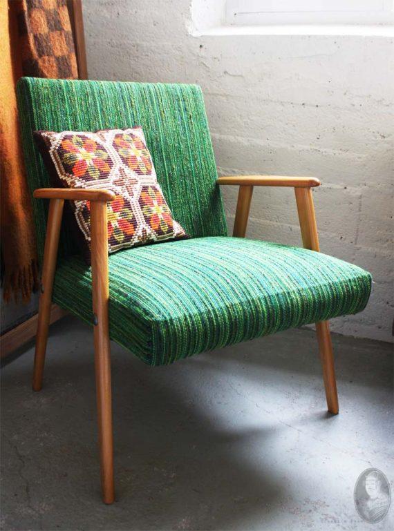 vintage midcentury stoeltje met groene bekleding 2
