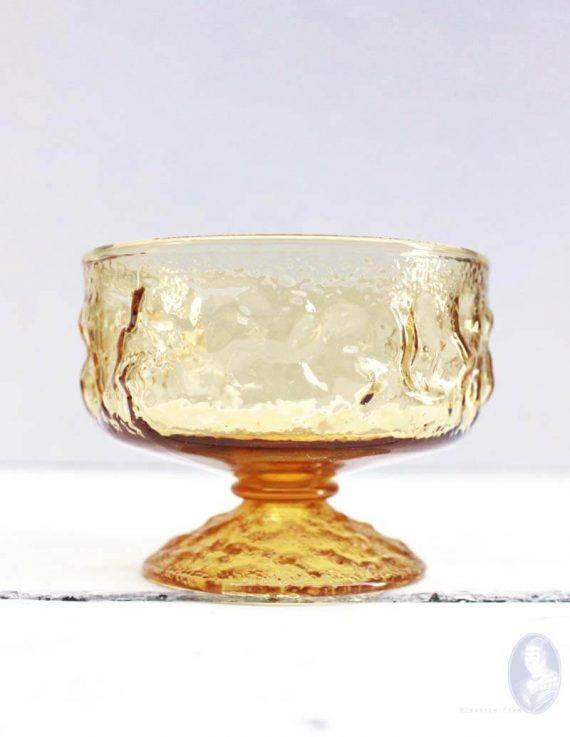 vintage okergele coupe glazen voor