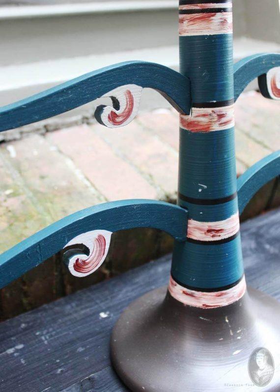 vintage houten zweedse kandelaar skatelovstake detail2