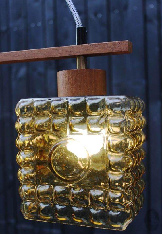 mid century hanglamp met 2 lichtpunten teak oker detail kap