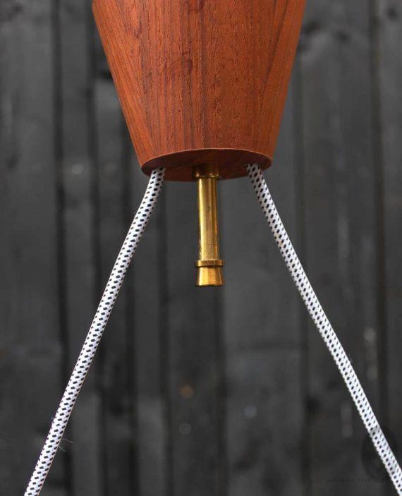mid century hanglamp met 2 lichtpunten teak oker detail ophangpunt