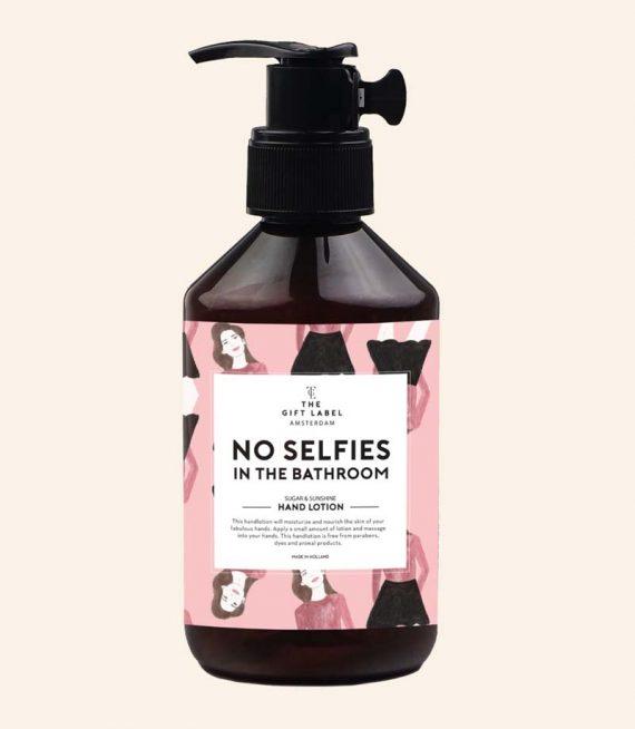 no-selfies (1)
