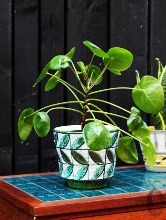 vintage bloempot groen met bladmotief